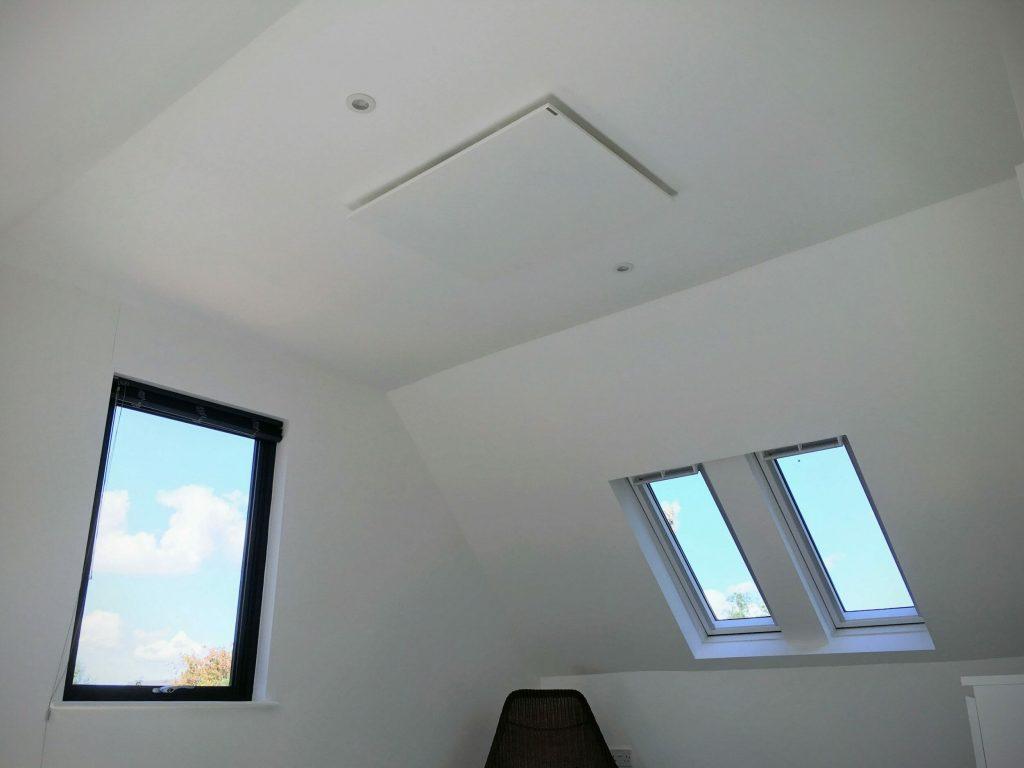 Ceiling mounted Herschel Inspire