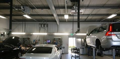 Espacio de taller de coche de calefacción Herschel