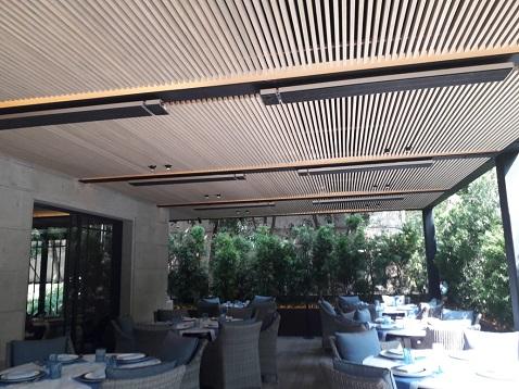 Herschel calentando un restaurante en México